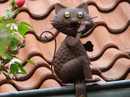 Dachrinnenfigur Katze